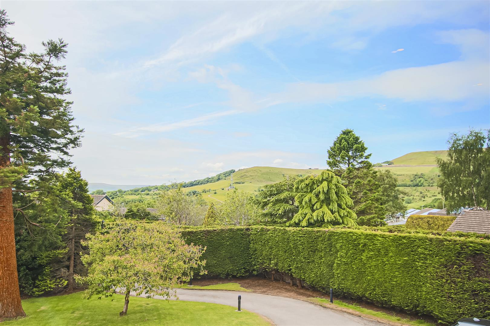 6 Bedroom Detached House For Sale - Views